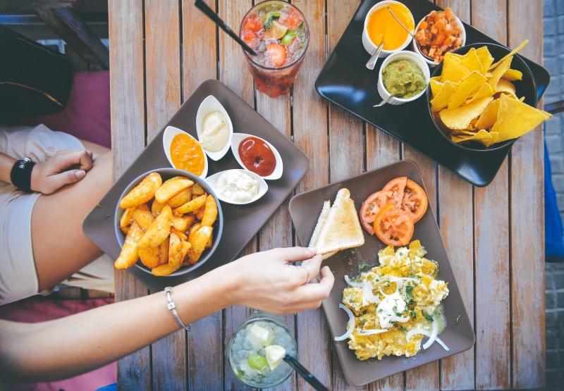 food-salad-restaurant-person (1)
